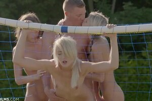 ULTRAFILMS Gina Gerson and 2 of her gfs looking for their fresh sex ass-munching on this stunning summer day