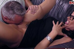 German Sex counselor trains real mature duo